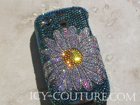 Daisy Flower - Swarovski crystal phone cover. Bling your phone!